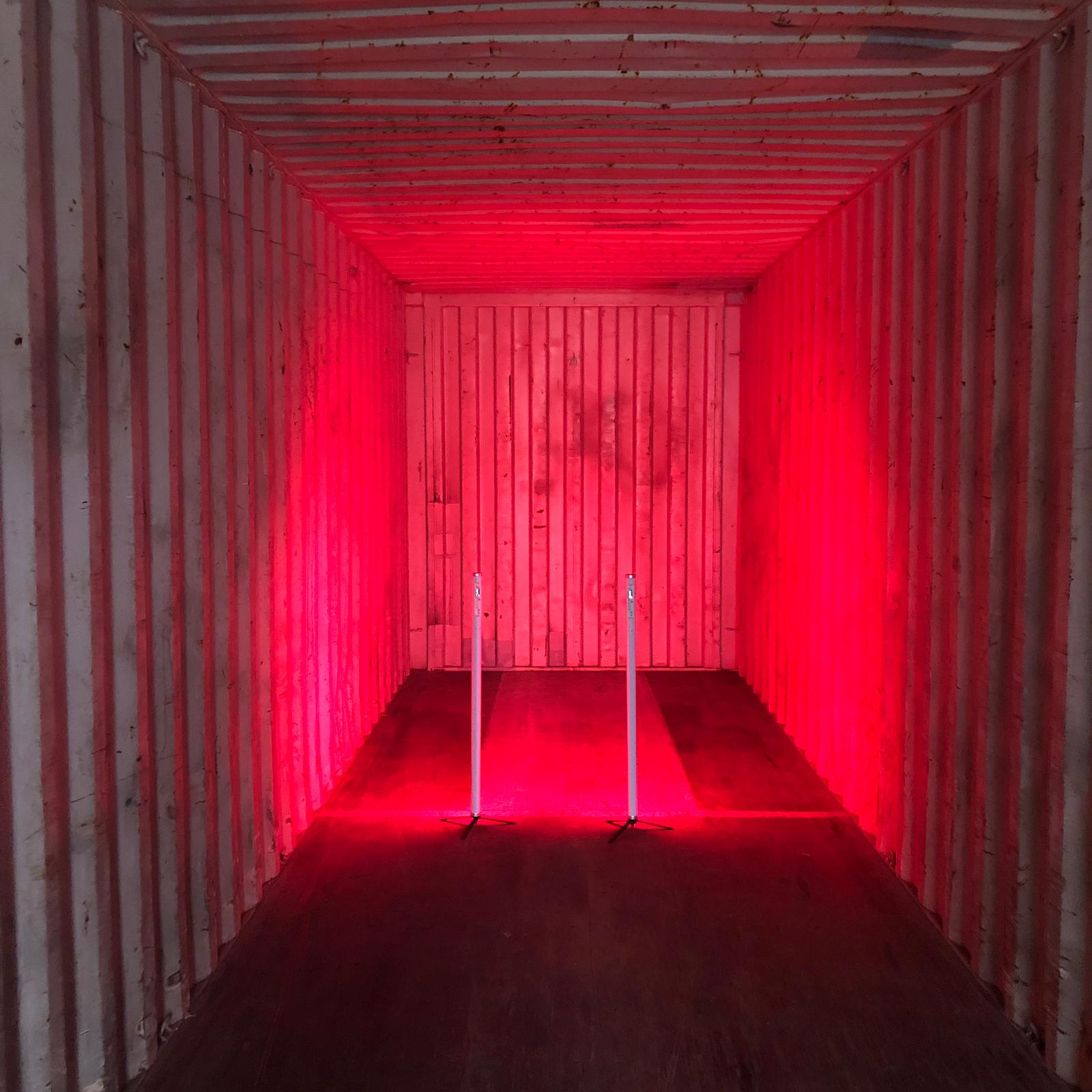 Container_Musikvideo_Rot_Beleuchtung