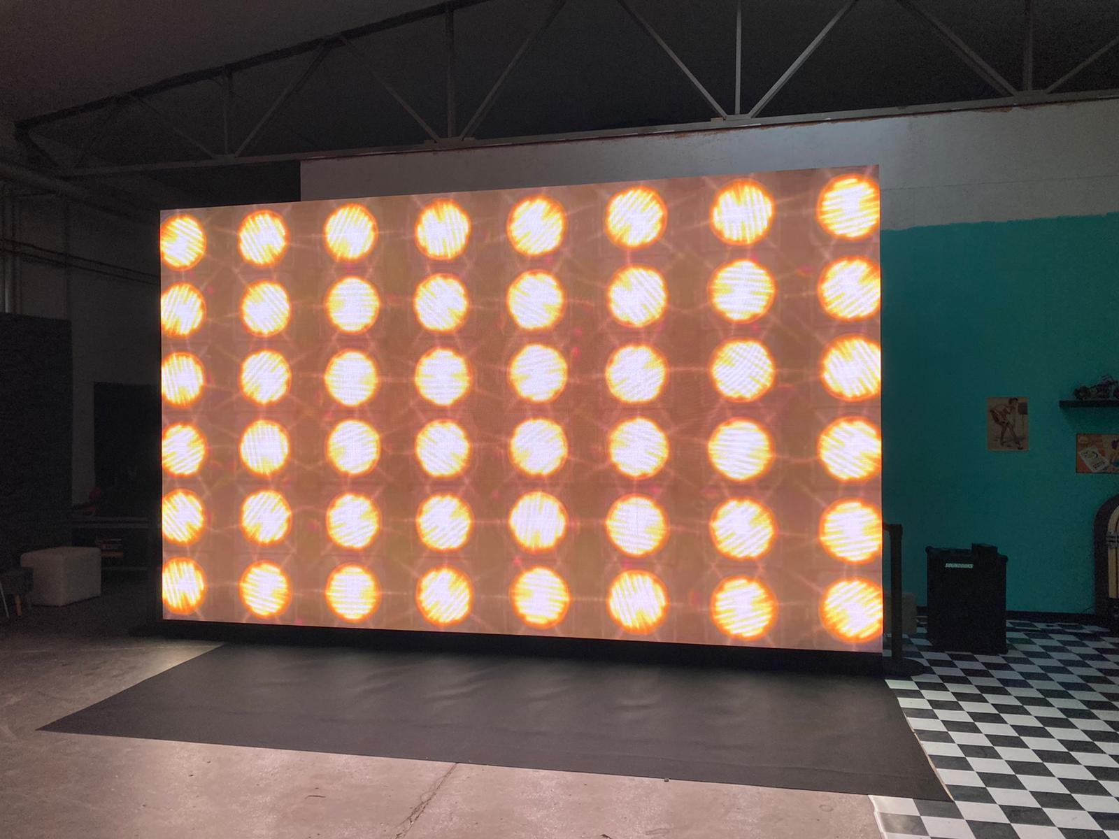 GMW_Studio_LED_Leinwand_01